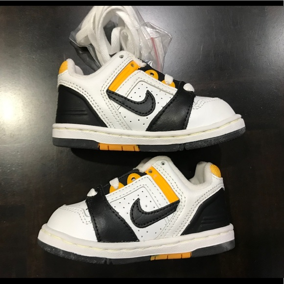 Nike Other - Nike Baby Force II Low Size 4.5